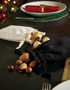 Czarny woreczek bawełniany na drobiazgi